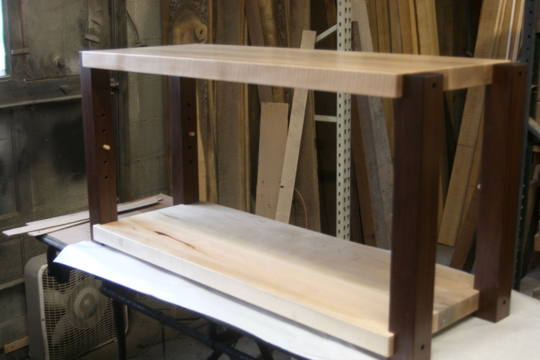 TIGER Maple Stereo Rack