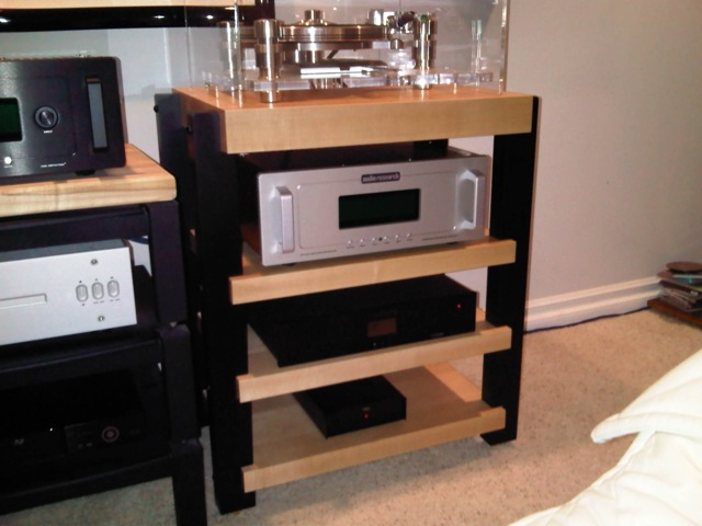 Maple Audio Rack with Black Post